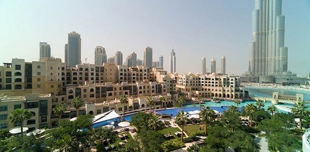Dubaihin matkailu kasvaa kohisten