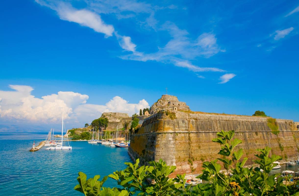 Venetsialainen linnoituis on Korfun tärkeimpiä nähtävyyksiä.