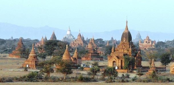 Muinaisessa Baganissa on tuhansia temppeleiden ja pagodien raunioita