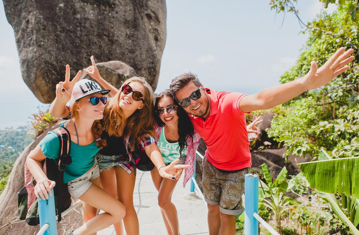 Ystävien kanssa lomalla