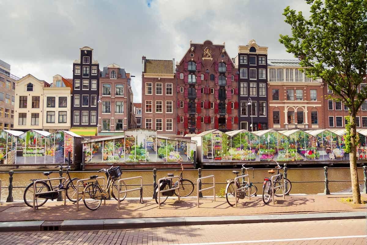 Amsterdam on Alankomaiden värikäs pääkaupunki.