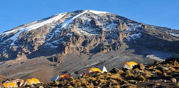 Vaellus Kilimanjaron huipulle on monen unelma