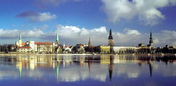 Latvia - lennot, hotellit ja matkavinkit