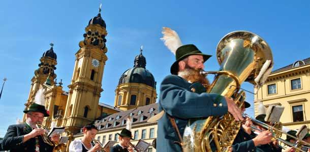 Torvisoittajia Münchenissä