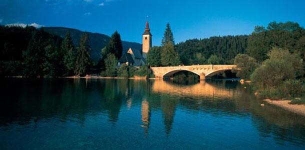 Slovenia-Lake-Bohin-Tourism-Slovenia-Klemen Kunaver