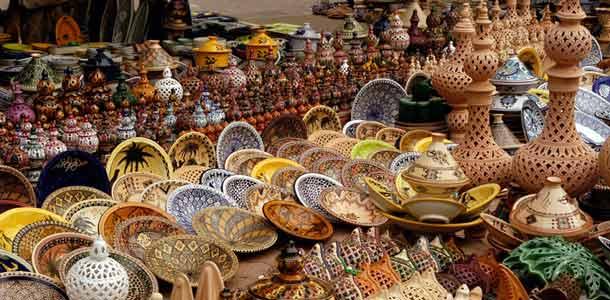 Markkinoilla Djerbassa