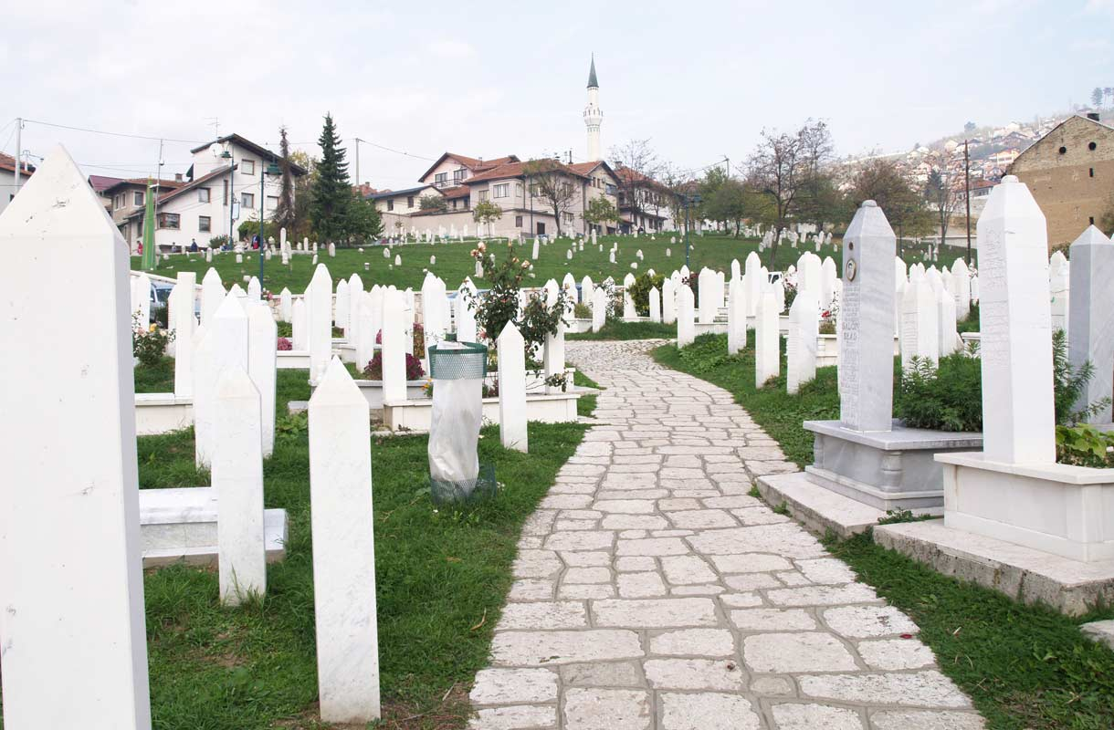Bosnian sodan uhrien hautausmaa on yksi Sarajevon maamerkeistä.