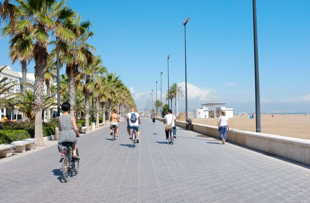 Valencia - rantoja, arkkitehtuuria ja paellaa Espanjassa