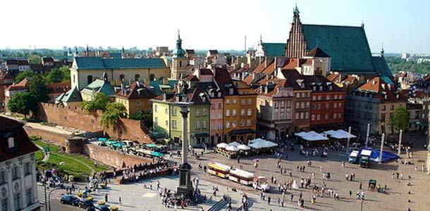 Vanha kaupunki kiehtoo turisteja