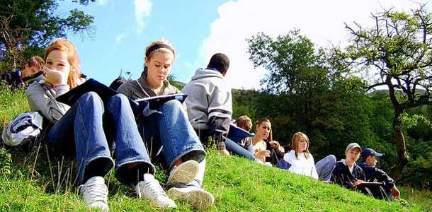 Opiskelua ulkona