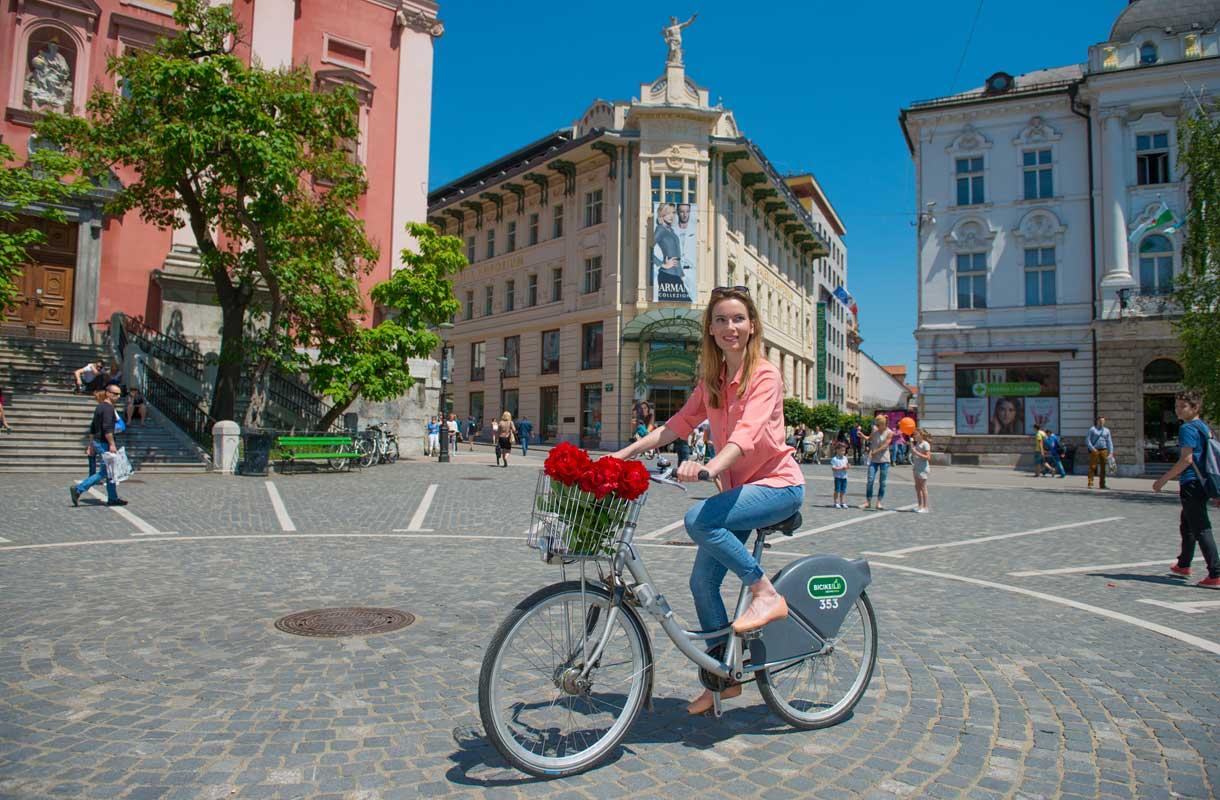 Ljubljana tulee helposti tutuksi pyörän selästä.