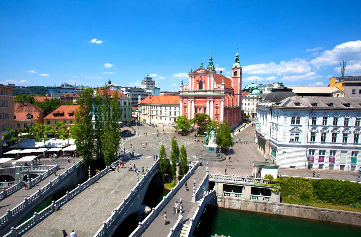 Kolme siltaa kuuluvat Ljubljanan nähtävyyksiin.