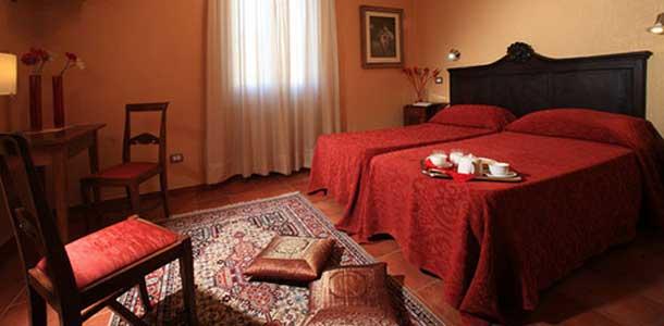 Lennot, majoitus ja liikkuminen Toscanassa