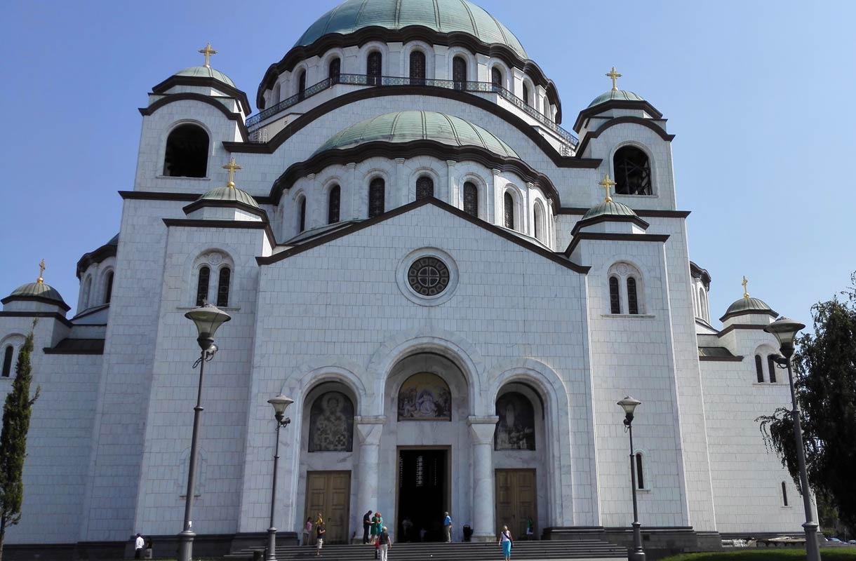 Pyhän Savan katedraali on Belgradin tärkeimpiä nähtävyyksiä.