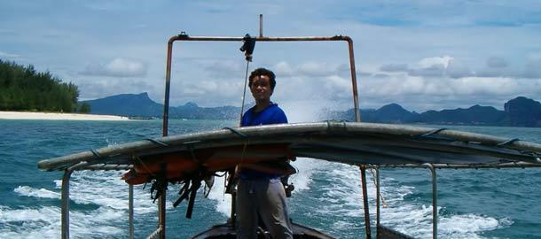 Pitkähäntävene on kätevä kulkupeli Ao Nangissa