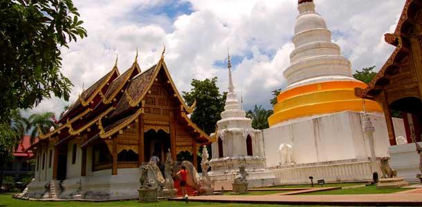 Tuhansien temppelien Pohjois-Thaimaa
