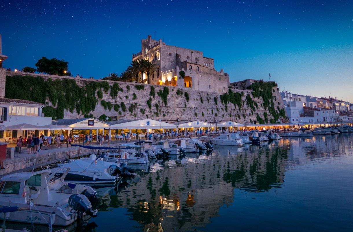 Ciutadellan satama Menorcalla