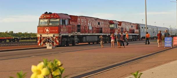 Junalla Alice Springsiin