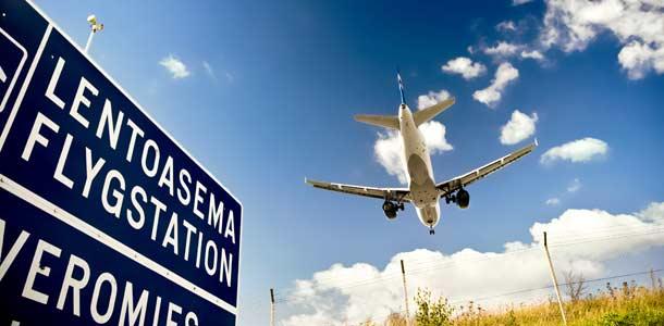 Lentokone matkalla Helsinki-Vantaalle