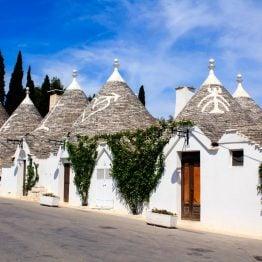 Alberobello tunnetaan trulleistaan