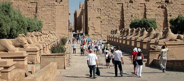 Sfinksien valtakatu Egyptin Luxorissa