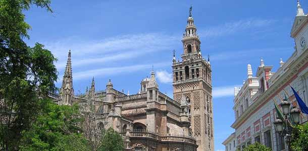 Sevillan katedraali Espanjassa