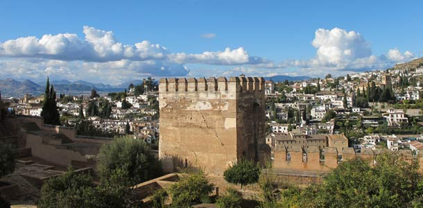 Alhambra on Espanjan suosituin nähtävyys