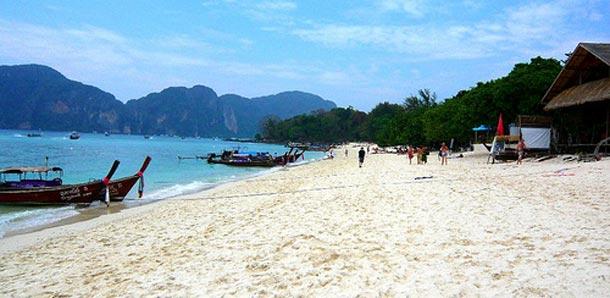 Hiekkaranta Koh Phi Phillä
