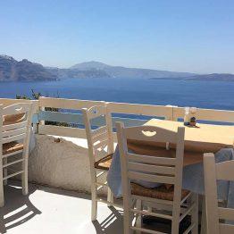 Ravintola Oiassa, Santorinilla