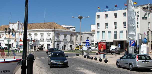 Lennot, majoitus ja liikkuminen Farossa