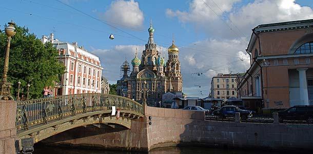 Kolme matkaopasta Pietariin