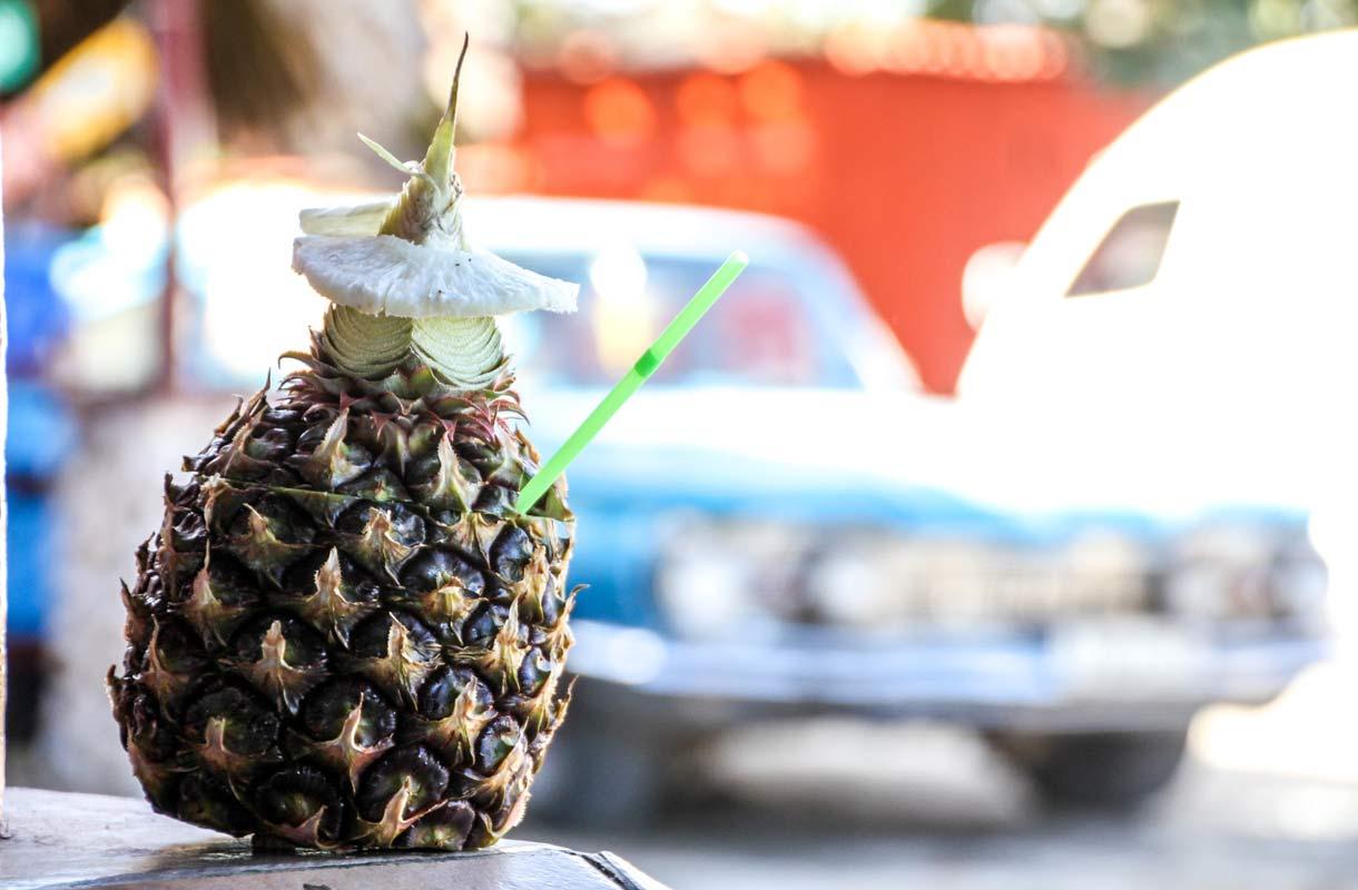 Kuuba tunnetaan komeista autoista, sikareista ja rommista.