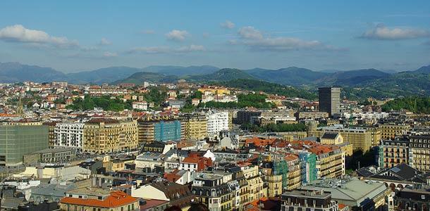 Lennot, majoitus ja liikkuminen San Sebastianissa