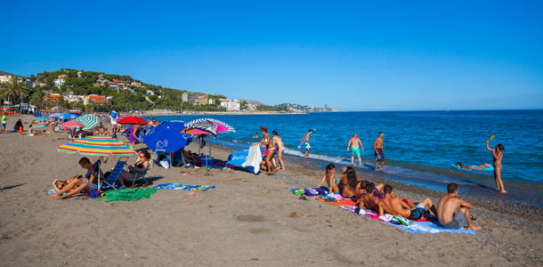 Suomalaiset viihtyvät Espanjan Aurinkorannikolla