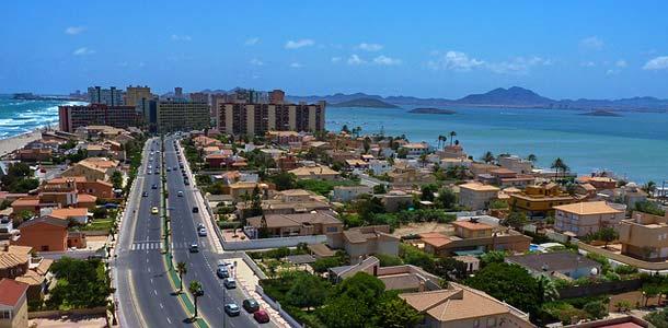 Lennot, majoitus ja liikkuminen Murciassa