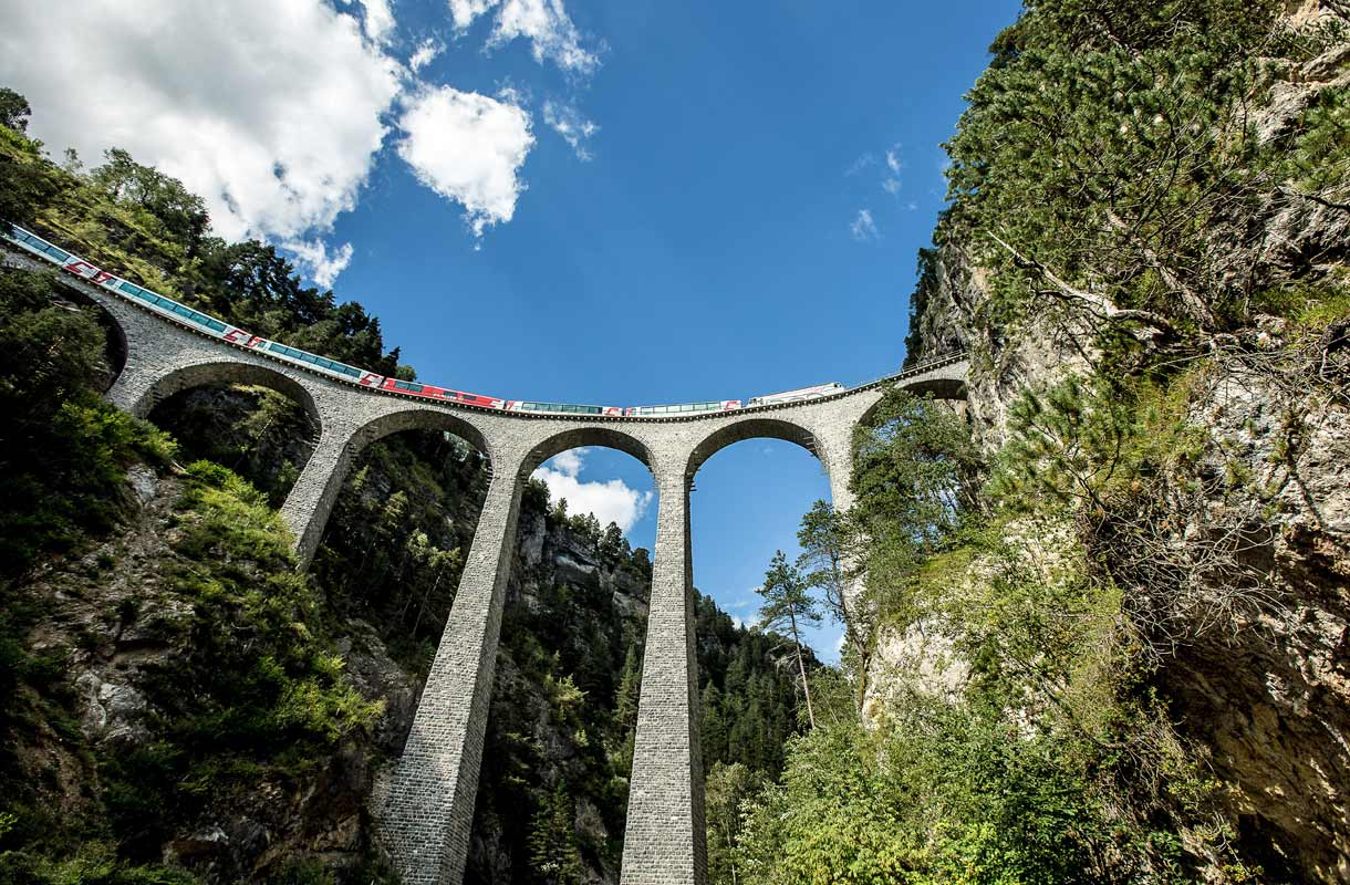 Sveitsin Glacier Express -junareitti