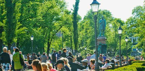 Esplanadin puisto kesällä