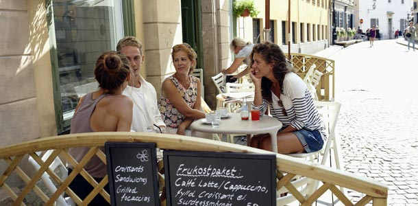 Kahvilla Tukholmassa