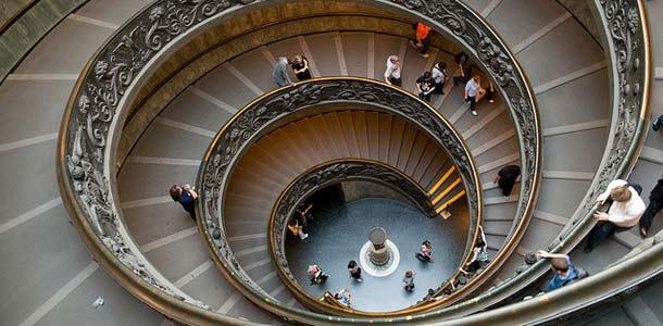 Vatikaanin museon kierreportaat ovat valokuvaajien suosikkikohde