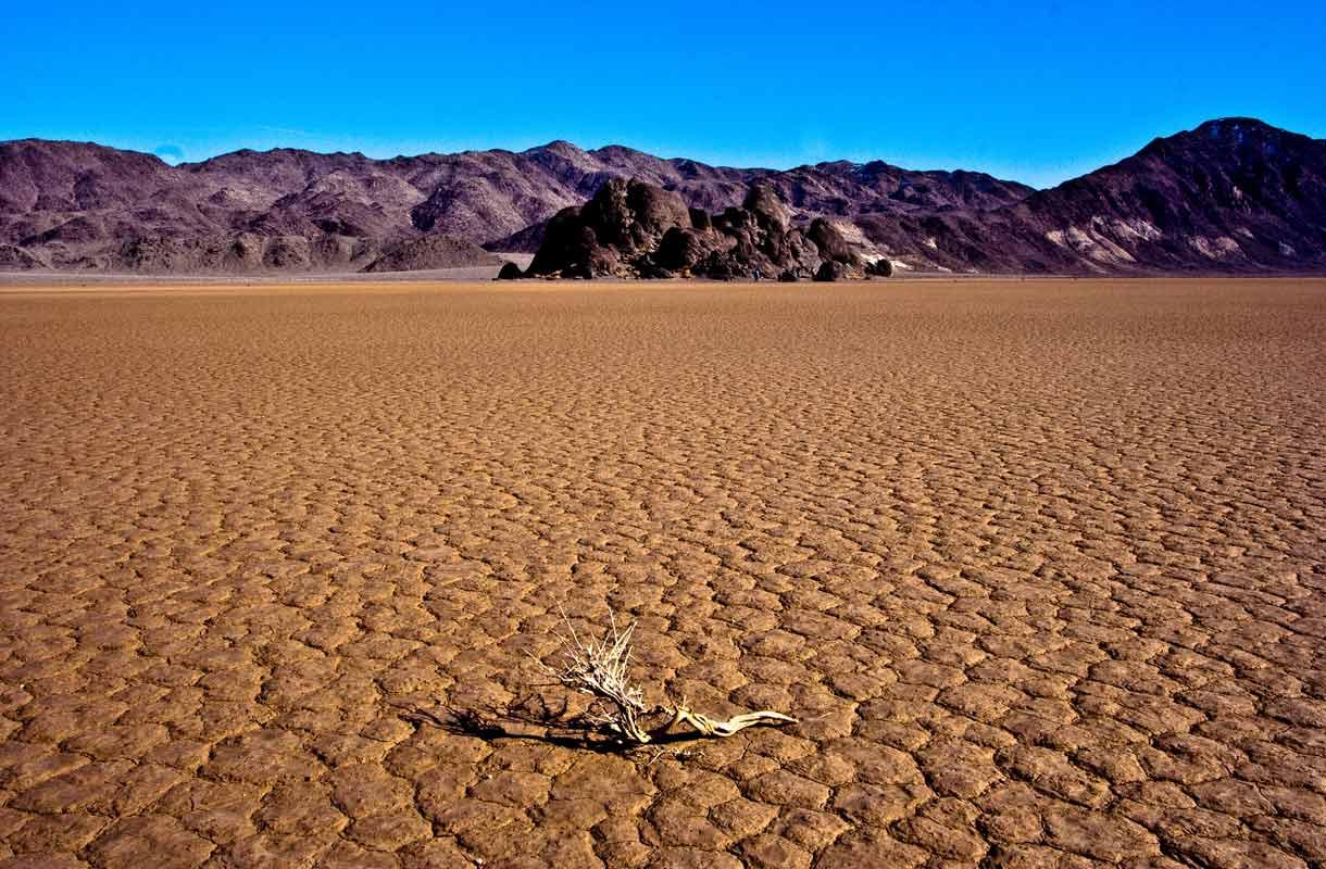Lämpötila Death Valleyssa nousee usein yli 50 asteen.