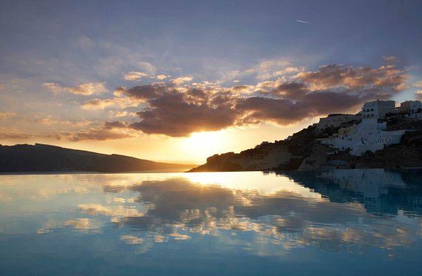 Auringonlasku Santorinilla