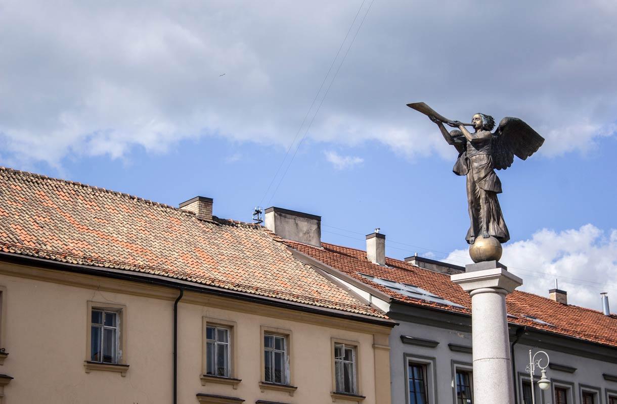 Enkelipatsas symboloi Užupiksen alueen vapautta.