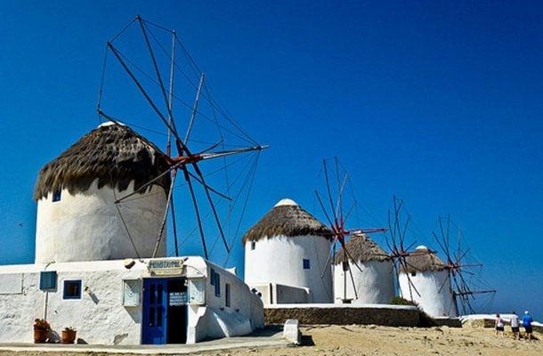 Kreikka-Mykonos-tuulimyllyt-Flickr-Simon-Falvo