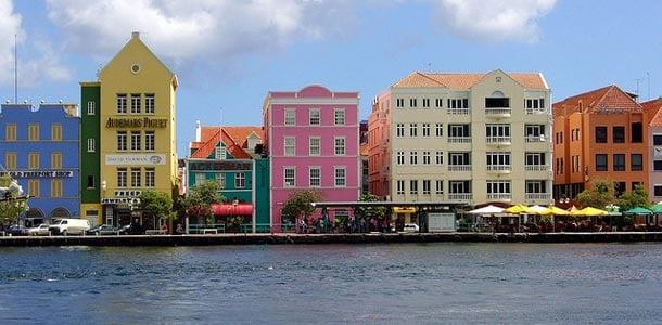 Värikäs Willemstad on Curacaon pääkaupunki