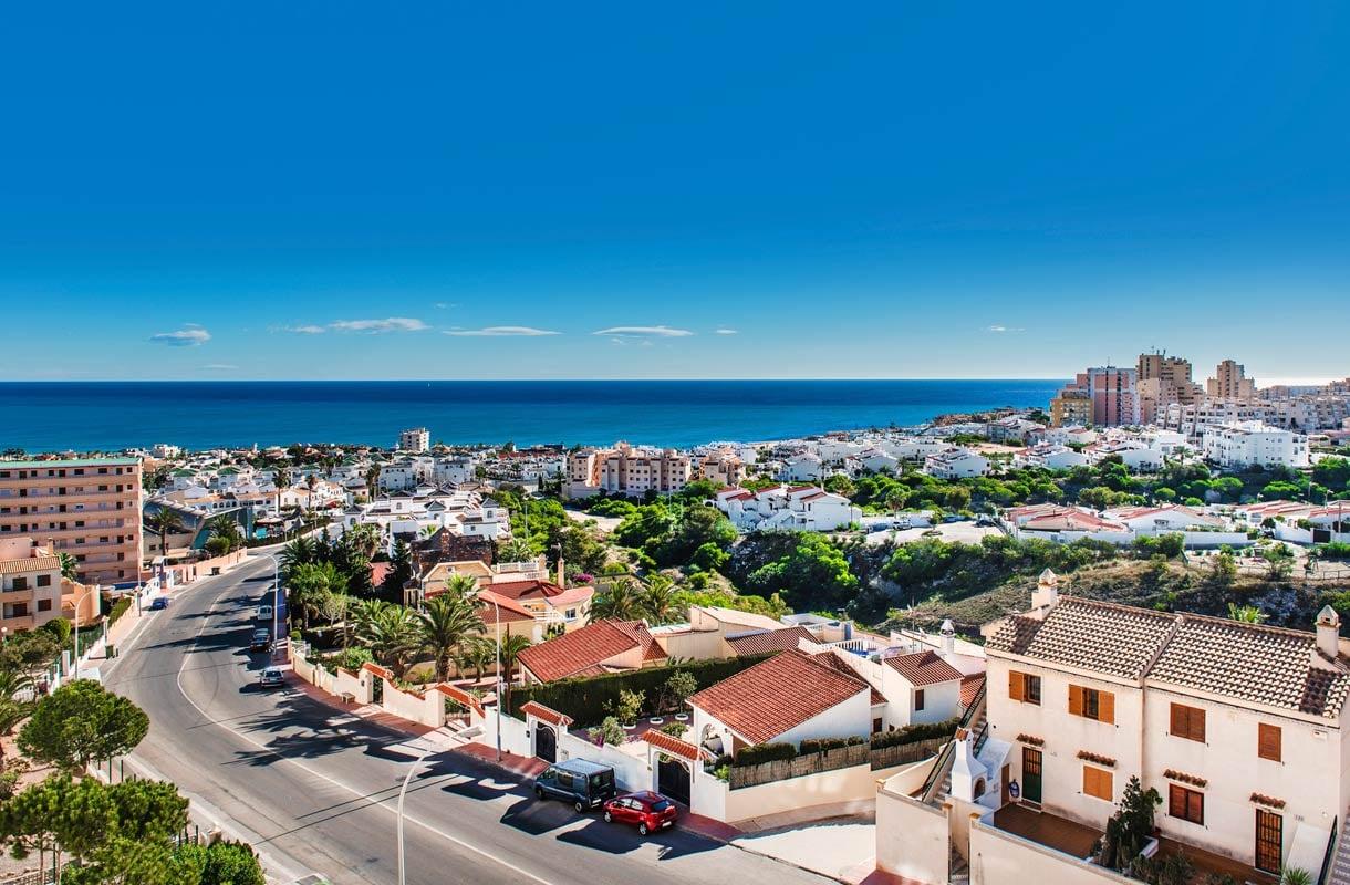 Espanjan Torreviejassa voi lomailla ympäri vuoden.