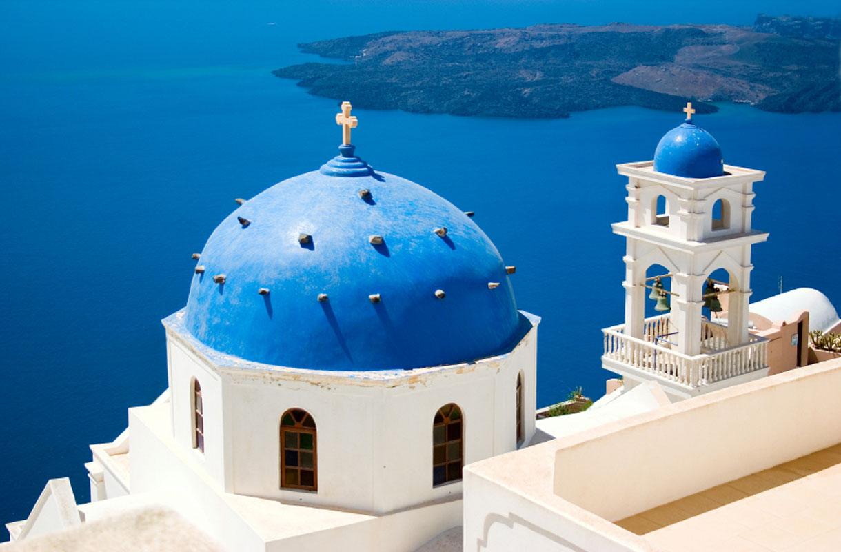 Santorini sopii romanttiselle lomalle