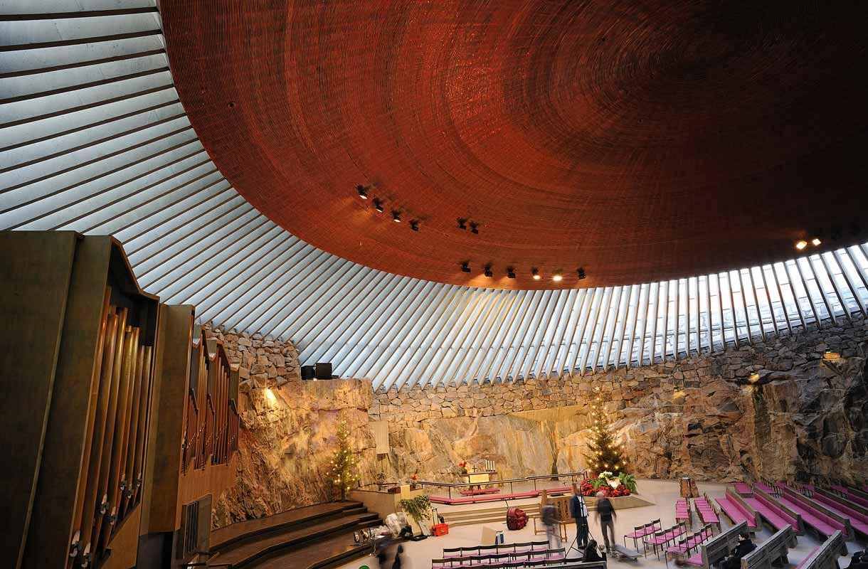 Temppeliaukion kirkko on Helsingin tärkeimpiä nähtävyyksiä.