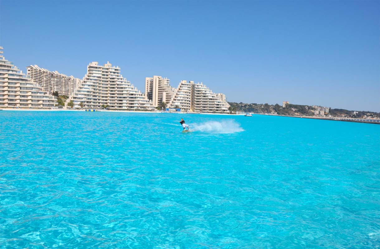 Maailman suurin uima-allas