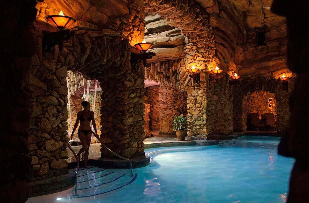 Omni Grove Park Inn on satavuotias kummitushotelli