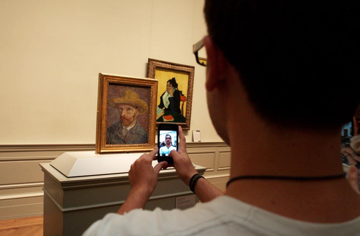 Selfie Van Goghin kanssa